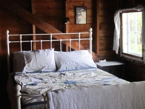 lodge-bed